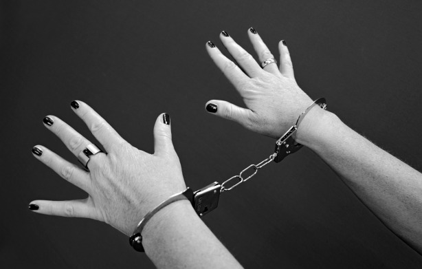 handcuffs-964522_1920.jpg